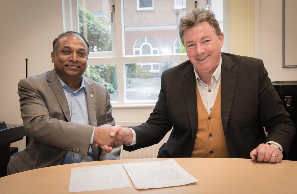 UK-office-signing--1024x669.jpeg