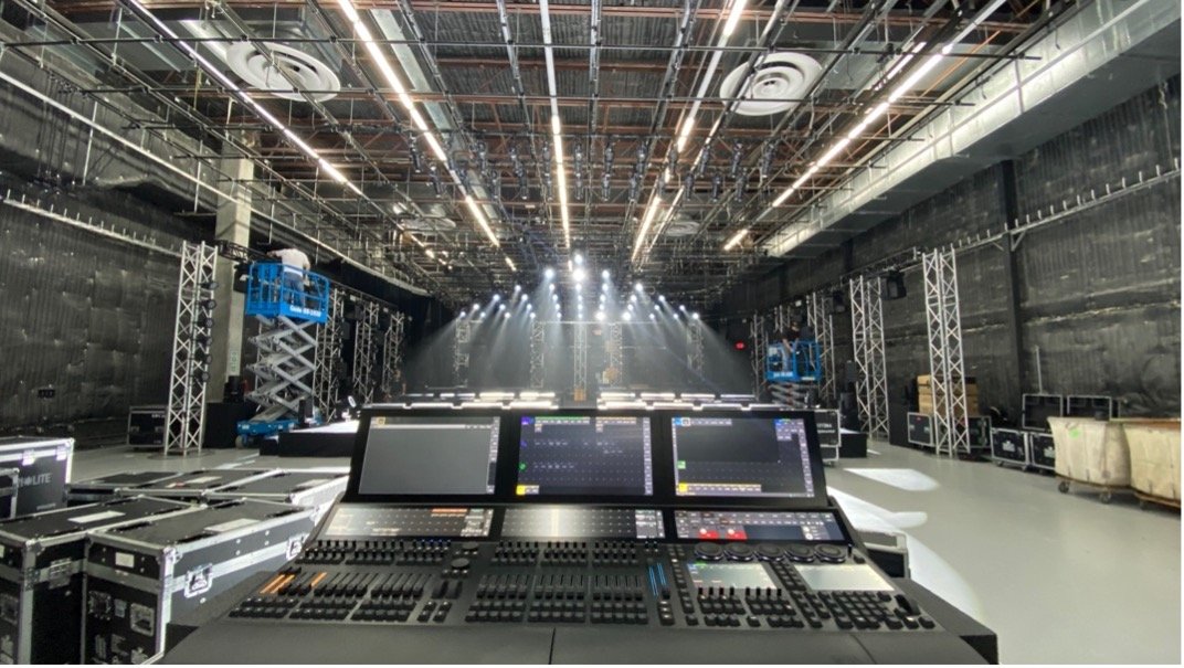 marc-anthony-livestream-stage-design