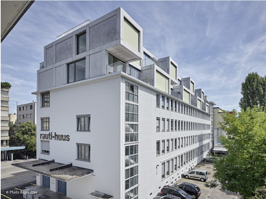 """rauti-huus"" by spillmann echsle architekten won an award in the multi-family houses category."