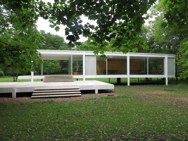 The Farnsworth House in Plano, IL. Photograph by David Wilson.